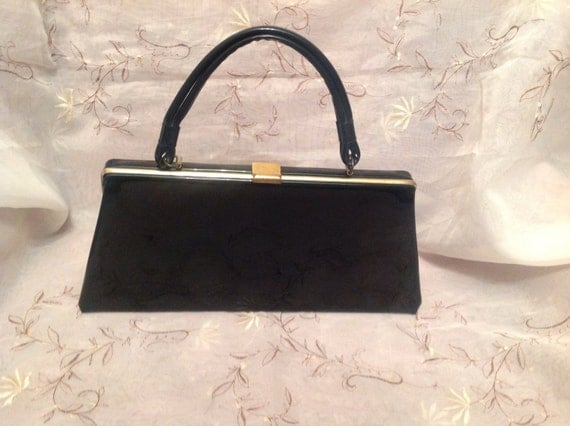 Retro Handbags, Purses, Wallets, Bags Vintage Dover Classic Black Patent Vinyl Old Fashion Pocketbook 1950s Handbag Purse Super Cute Fun $32.00 AT vintagedancer.com