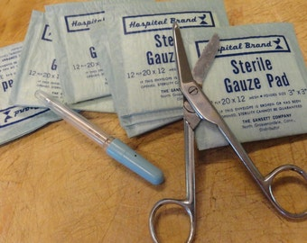 Vintage Medical Lot 1960s Bandage cutters gauze, glass fevel thermometer props collect