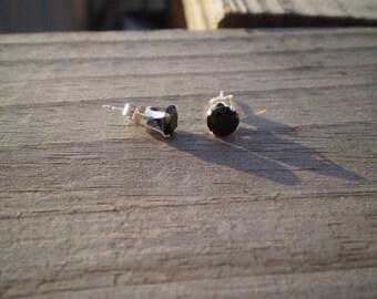 Black Spinel Stud Earrings 6mm