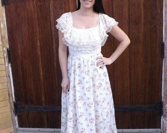 70s Dress White Floral Gunne Sax without tag Prairie Boho Lace Vintage S