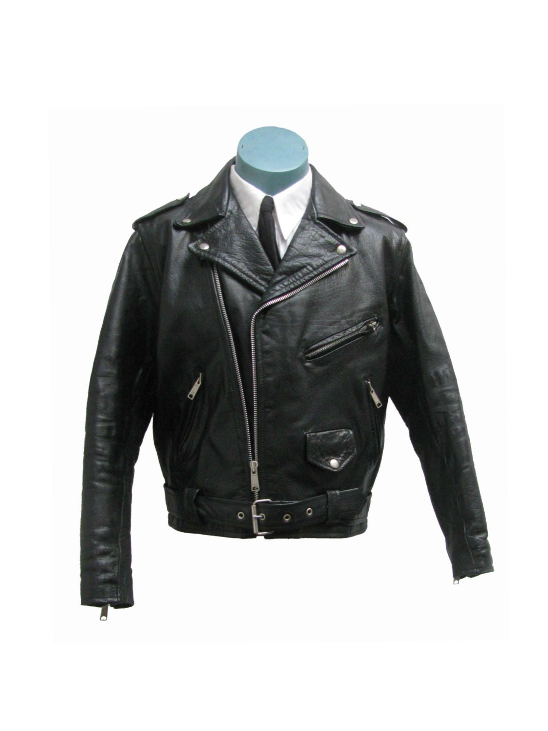GUIDE TO THE SLIM FIT Leather JACKET. HOW TO STYLE A SLIM FIT BIKER JACKET. so it is preferred that you wear blue skinny jeans which will help you depict a nice personality. The shoes can be of matching with the blue trousers. these slim fit leather Jackets for men will last longer than expected.