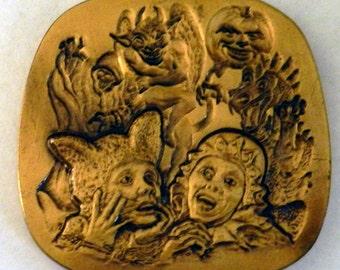 Houdini Halloween medallion