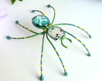 Large 4 Inch Green Metal Spider Wire Art Gift for Nature Lovers Simple and Unique Spider Pet Spider OOAK Arachnid Home Decor Insect Ornament