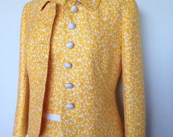 Stunning Vacation Wear Yellow And White Vintage Mod Pin Up Dita Von Teese Mad Men 60s Suit