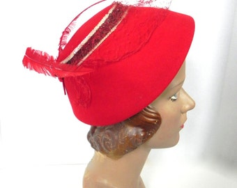 Vintage Red Hat 40s 50s red felt hat with Feathers - on sale