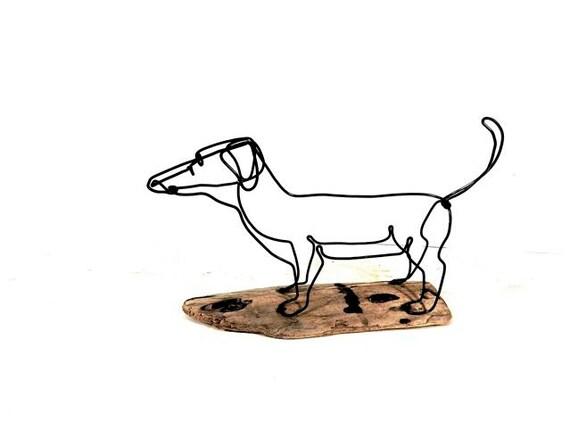 Dog sculpture weiner dog wire sculpture folk wire art for Dog wire art