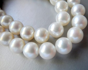 Freshwater Pearl White Round Cultured  8mm  AAA  Half Strand 26 Pearls