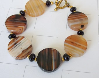 """Brown, Black & Camel Banded Agate Coin Bracelet, 7 1/2"""" tan, butterscotch, sienna, rustic, for her, natural, neutral colors, earth tones"""