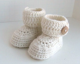 merino wool short baby booties handmade knitted boys girls ugg style button cuff boxed shoes snow white size 0 to 6 months warm and woolly