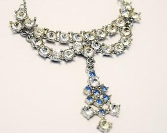 Vintage blue and clear rhinestone crystal necklace. Sparkling necklace. Vintage necklace