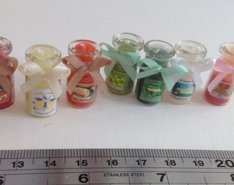 Dolls House Miniatures - 1/12th Tall candle jar x 1 (assorted colours)