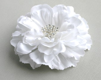 White Flower Wedding Hair Accessory - Flower Hair Clip - White Flower Bridal Accessory - Facinator