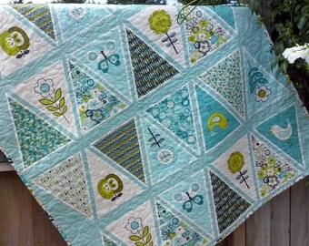 Modern Baby Girl Quilt, Bunting Quilt, Girl Nursery Bedding, Baby Girl Blanket, Modern Baby Quilt, Crib bedding