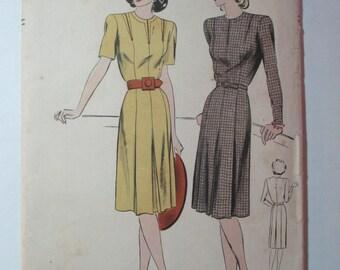 """Antique 1940's Vogue Dress Pattern #9579 - size 32"""" Bust"""