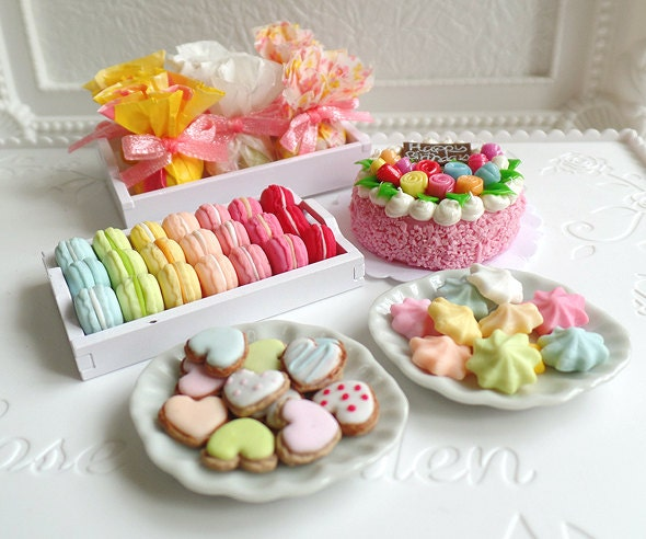 Barbie Toy Food : Miniature party food for scale dolls fake