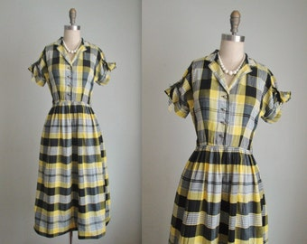 50's Plaid Shirtwaist Dress // Vintage 1950's Yellow Plaid Cotton Full Casual Shirtwaist Dress XS