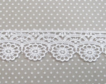 Venice Lace Dainty Flowers White Rayon 1 yard Crazy Quilting