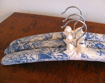 Toile Padded Hangers, Padded Hangers, Toile de Jouy  Hangers, Toile Covered Hangers, Blue Toile de Jouy, Blue Toile Covered Hangers