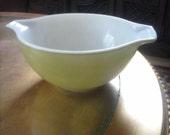 Lime Green 1-1/2 quart nesting cinderella vintage Pyrex Bowl 1970s