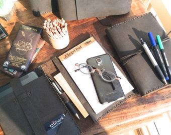 Dyer iPadmini case, handmade iPad case, iPad mini notepad portfolio, handmade leather iPad mini notebooks, notepads & folios by Aixa Sobin