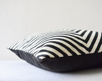 Patchwork Black and White Chevron Pillow Cover , Chevron Cushion , Black and White Pillow , Housewares , Decor Pillow , Throw Pillow