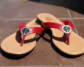 Monogrammed Flip Flops - Thongs Sandals Shoes - Personalized Gift - Bridesmaid Gifts