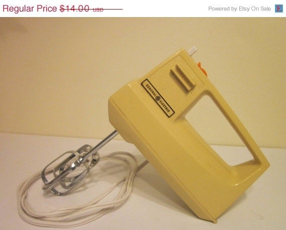 On sale vintage hand mixer general electric by for Antique general electric mixer