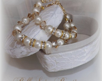 ONE Swarovski Crystal Pearl Bridal, Bridesmaid or Flowergirl Bracelet with Gold Accents