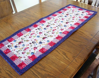 "Country Style Table Runner - Machine Quilted Table Runner - 16"" x 44"" long - Kitchen Decor, Table Decoration"
