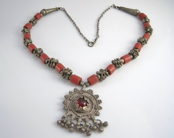 Old Yemeni Necklace, Tribal Bedouin Silver and Coral Colored Trade Beads Pendant Necklace, Tribal Jewelry, Yemenite Jewelry