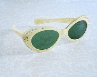 Vintage Eyewear Sunglasses  /  50s Bakelite Sunglasses Cream Marbled Bakelite w Jeweled Frame  /  Mad Men Spring Break Sunglasses Shades