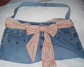 Jean purse large red accents