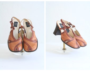 1970s split toe slingback shoes - two tone leather heels / 70s new old stock - chunky heels / made in Brazil - fits ladies 7.5 - 8