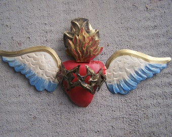 Beautiful 3D Handpainted Sacred Heart with Wings and Thorns - Mexico