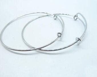 5pcs SHINY Silver White k expandable wire bangle bracelet for charms. Adjustable, For stacking, charm bracelets. Bracelet blanks. C8012