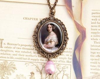Queen Victoria - Historical Necklace
