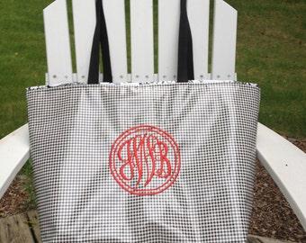 Large Monogrammed Tote Bag/ Personalized Tote Bag in Black Gingham/ Toile Waterproof Tote Bag Waterproof Beach Bag Diaper Zippered Tote Bag