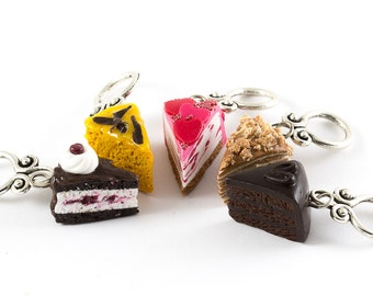 Knitting / Crocheting stitch markers cakes from all over the world miniatures set of five