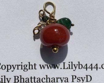 Red Agate Pumpkin with Green Onyx Leaf, Gold jewelry,  Etsy jewelry, Lilyb444