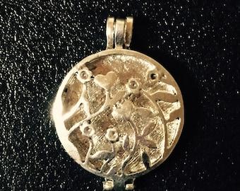 Antique Silver Flower Vines Locket Pendant