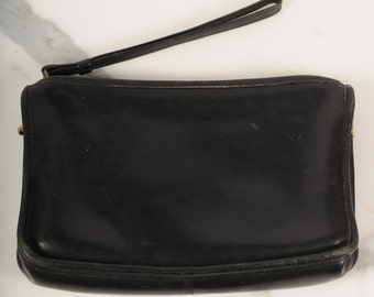 vintage Coach wristlet/ black leather Coach handbag