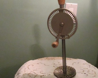 Vintage Hand Mixer 1940s / Egg Beater Cream Whip / Whippit A & J