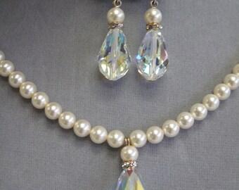 Swarovski pearl and Swarovski crystal bridal necklace and earrings set
