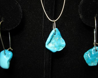 Earrings J Turquoise chip Earrings and Pendant set 15ct