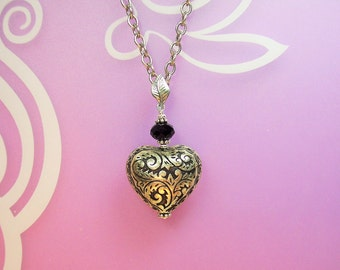 1 Necklace with Vintage Heart