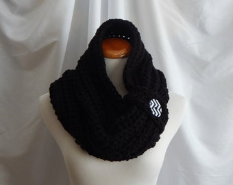 Cowl Chunky Bulky Button Crochet Cowl: Black with Black and White Button