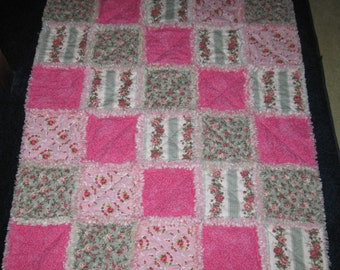 Crib Size Chic Rag Quilt Girls Floral