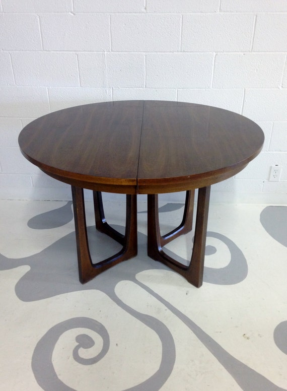 Mid Century Broyhill Round Walnut Dining Table With By Dsartereno