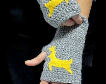 Deer gloves, Adult size,Grey fingerless gloves, Deer mittens, Crocheted animal gloves, Gift for her, holiday fashion,Gift under 30,