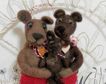 Needle felted family ornament in wool heart, three bears Pet Pocket, bear family, new baby bear, bear ornament, mama bear, ready to ship